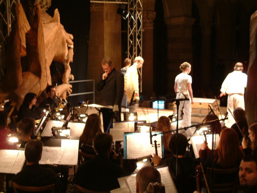 Dirigent_u_Acteure3_Pandora_2004